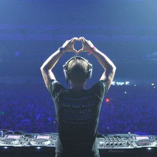 Today's #ThrowbackThursday is the Top 10 Electronic Dance Music Love Songs