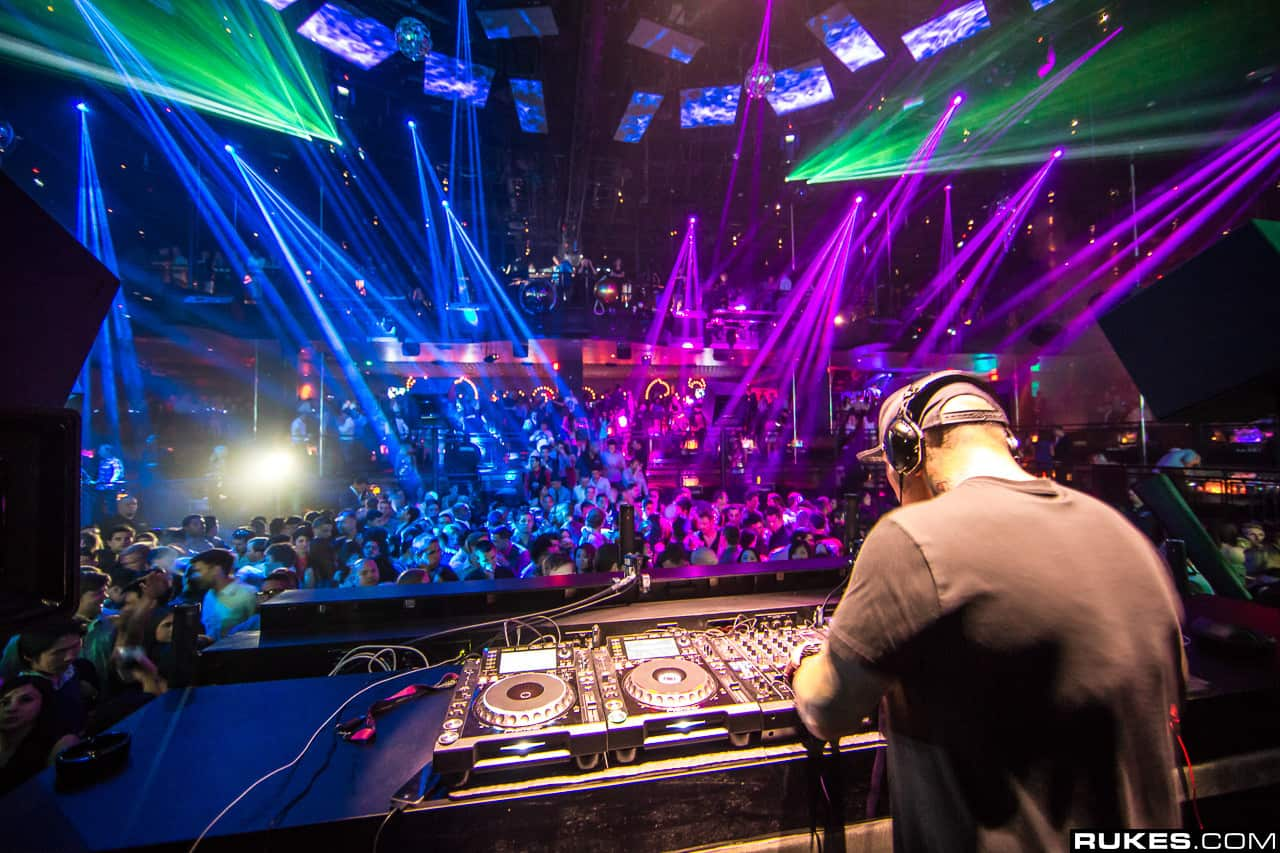 New york city nightclubs ban photos and videos for 1234 get on the dance floor video song free download