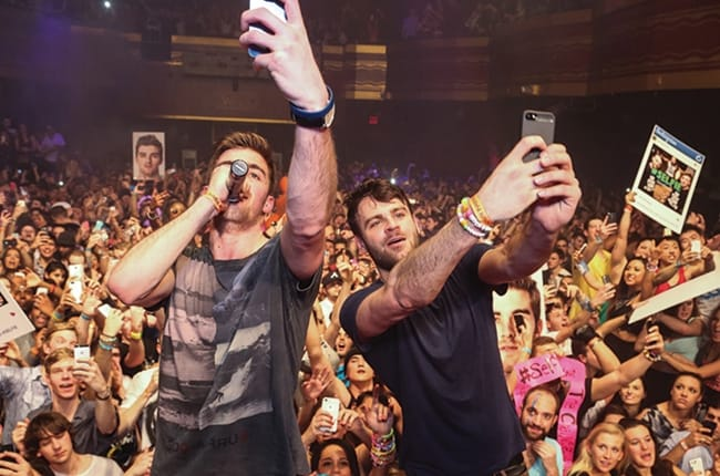 The Chainsmokers #SELFIE Enters Hot 100 on Billboard