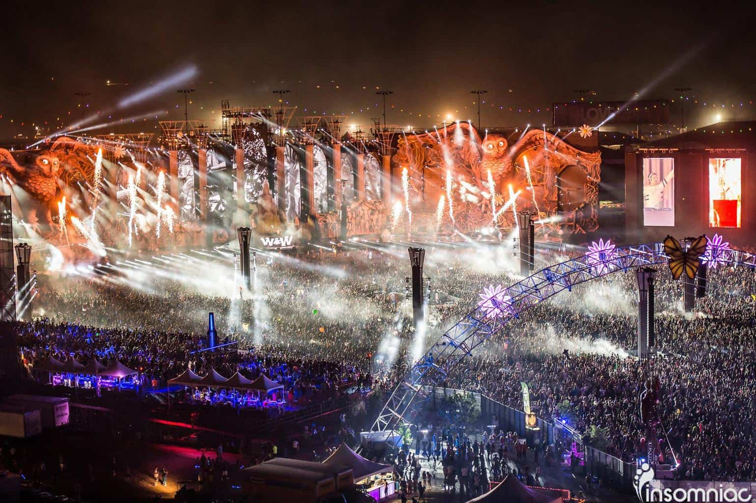 The Kinetic Cathedral: Largest Stage Ever Assembled in North America
