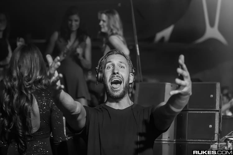 Calvin Harris Wins Favorite EDM Artist at the AMAs