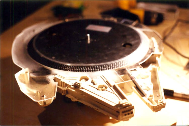 Millennium Falcon Working Turntable