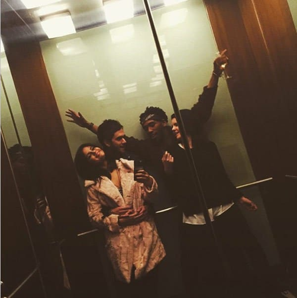 selena-and-zedd-elevator-selfie