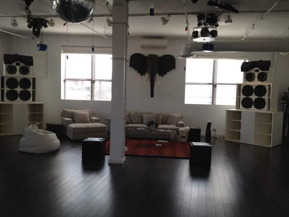 Danny Tengalia Home Studio19