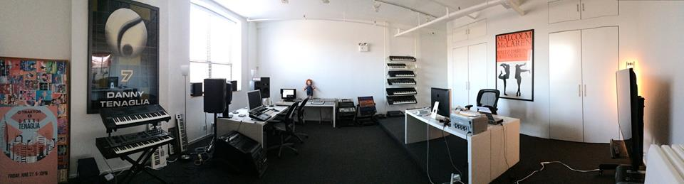 Danny Tengalia Home Studio6