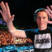 Tiesto & Swanky Tunes feat. Ben McInerney- Make Some Noise (Original Mix)